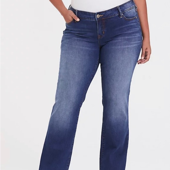Torrid Relaxed Boot Jean-Vintage Stretch 22S